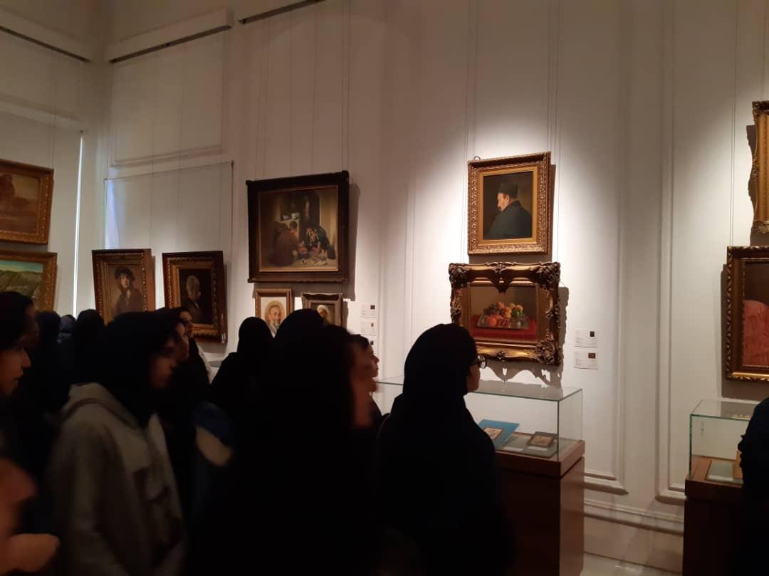 بازدید علمی دانش آموزان پایه نهم از موزه مجلس 7 بهمن